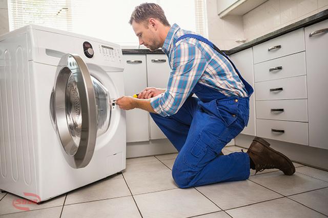 máy giặt bị chập điện